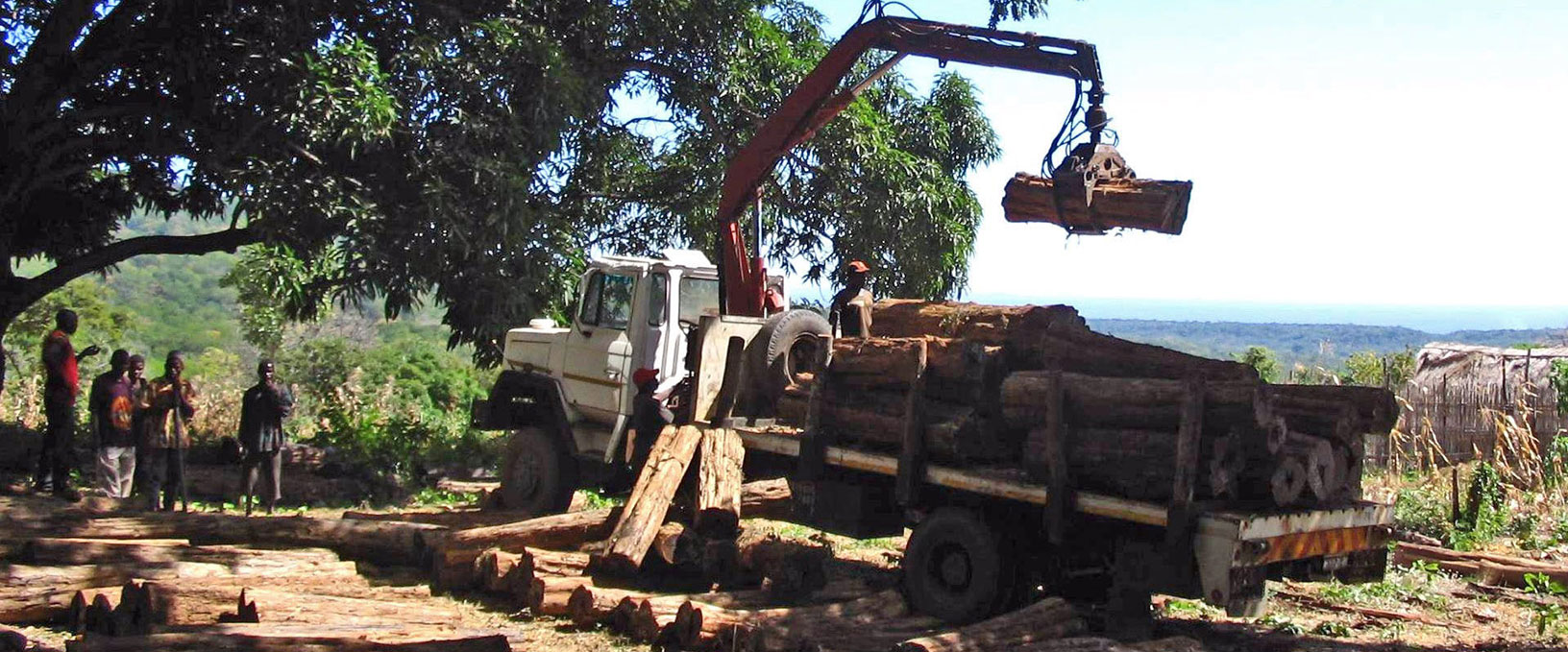 01. First transport from tanzanian border transport with Samil army truck