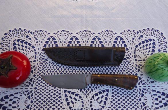 Knob thorn handle of hunter's knife