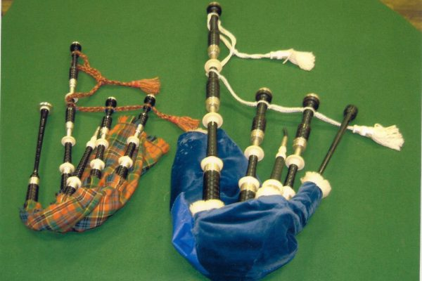 Scottisch Highland Bag Pipe and Small Pipe - Keith Walker