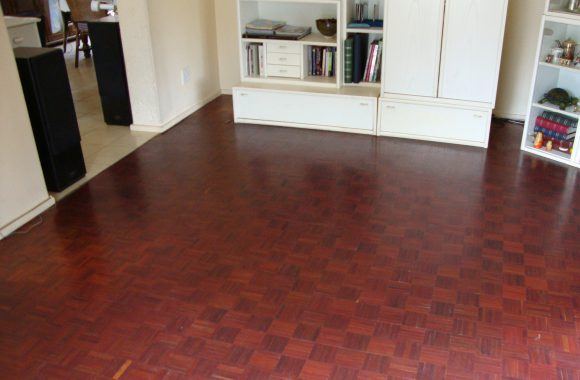 (14) The same mopane floor after 7 years of installation, perfectly oxidised